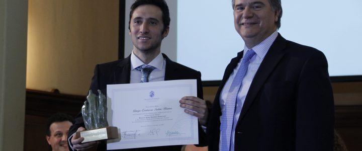 Jorge Jaraquemada entrega Premio Jaime Guzmán en Facultad de Derecho PUC