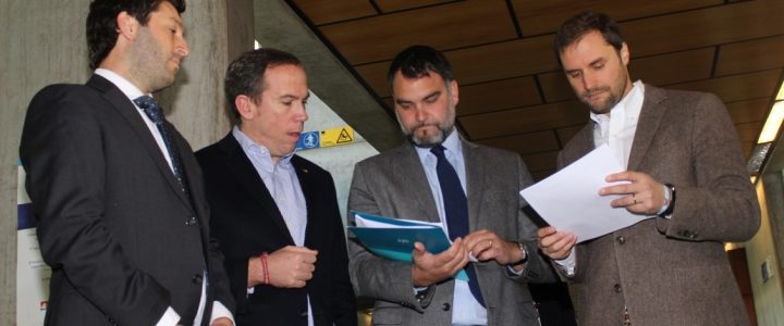 Carlos Oyarzún patrocinó querella por fallecidos en listas de espera