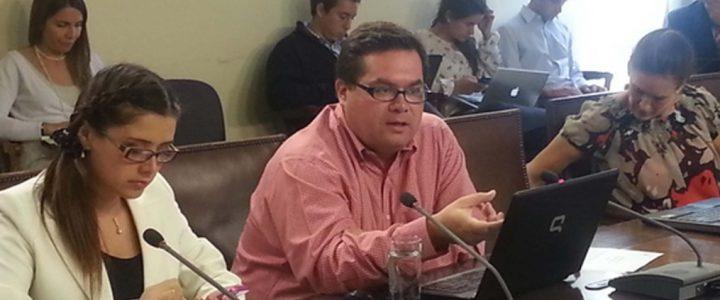 Claudio Arqueros expone ante comisión de Familia sobre el proyecto de ley que establece «día de la adopción y del niño que está por nacer»