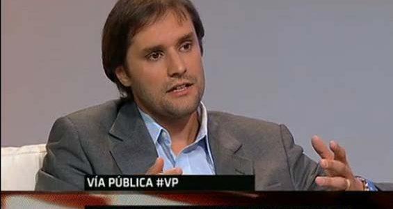 Jaime Bellolio, debate acerca de acreditaciones en las Universidades chilenas en Vía Pública, TVN 24 horas