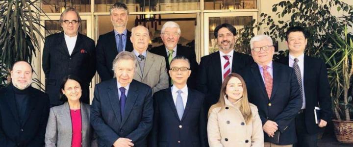 Coordinadora de Formación asiste a mesa redonda en Embajada de China