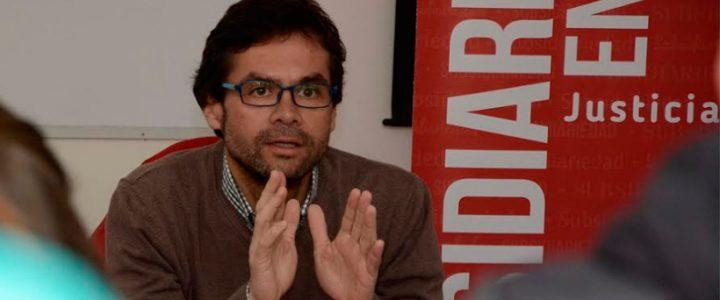 Claudio Arqueros expuso en Argentina sobre estallido social
