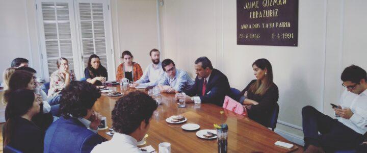 Germán Concha visitó la FJG para conversar sobre constitucionalismo
