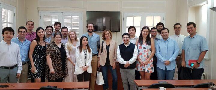 Marcela Cubillos visitó la FJG