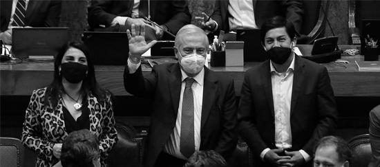 Jaime Mañalich y acusación constitucional: Otra presentación sin fundamentos